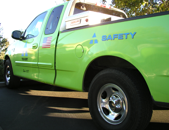 an image of a neon green Teichert safety truck