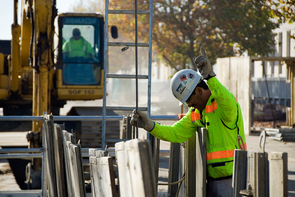 an image of a Teichert employee working on the job site