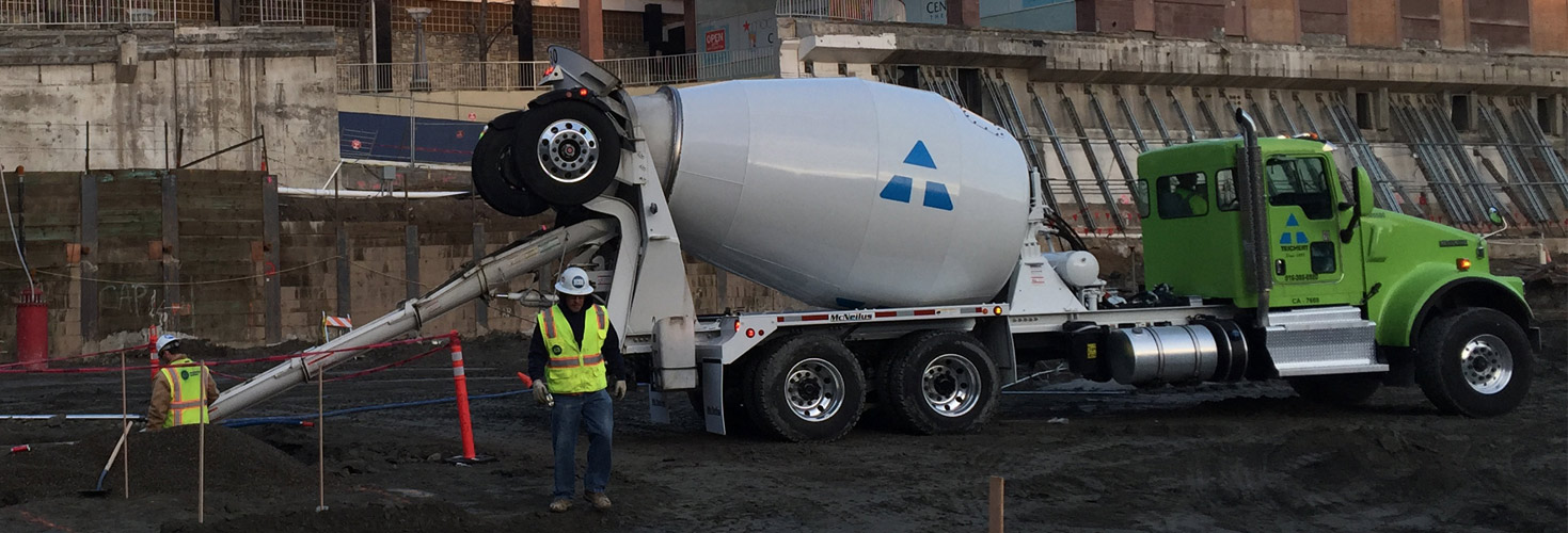 an image of a Teichert cement mixer truck at the worksite of the upcoming Sacramento basketball arena